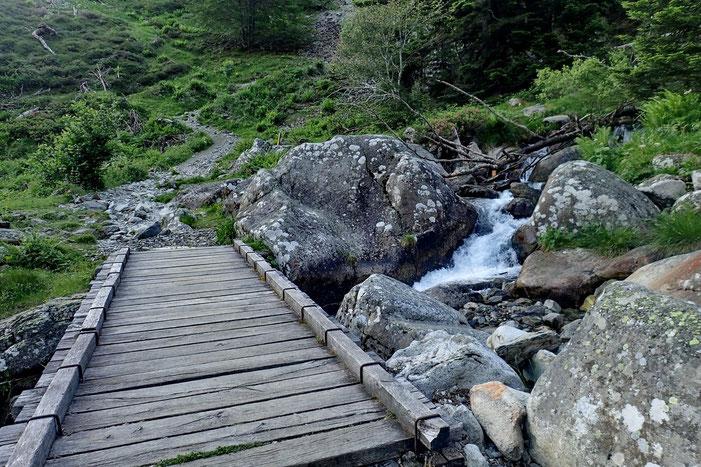 Le pont de Plasi.