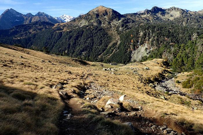 Derrière moi, au centre, le Soum de Monpelat (2475m).