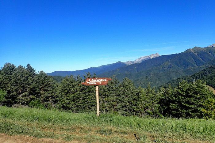 Pour le Pico de Toronzué, c'est à droite.