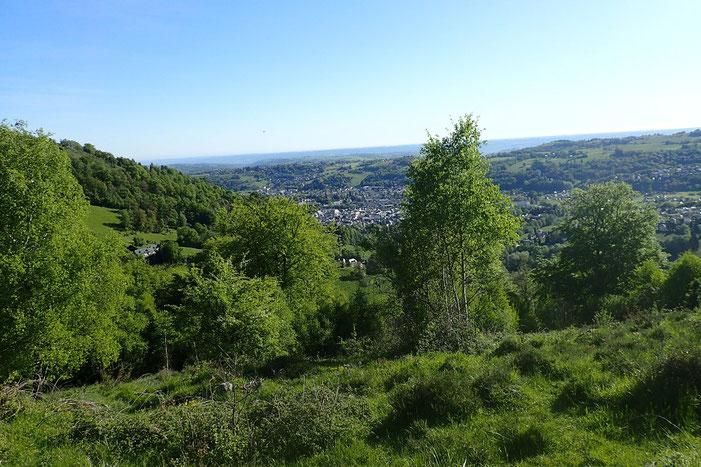 Après quelques minutes de grimpette, belle vue sur Bagnères-de-Bigorre
