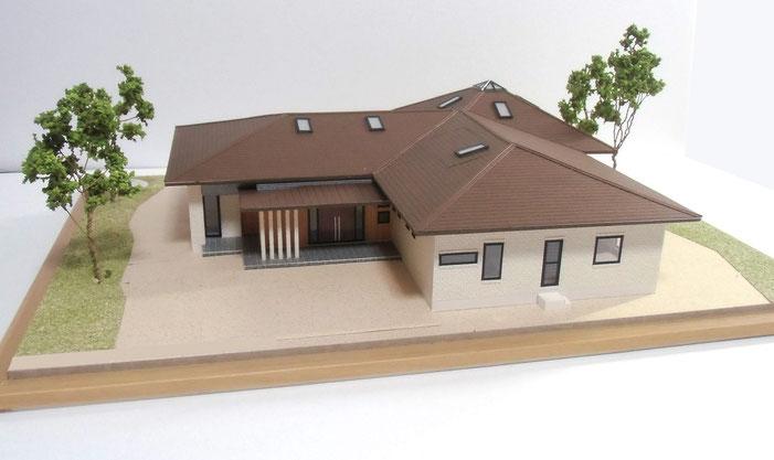 カラー住宅模型(分解型)スケール=1/50 外構付