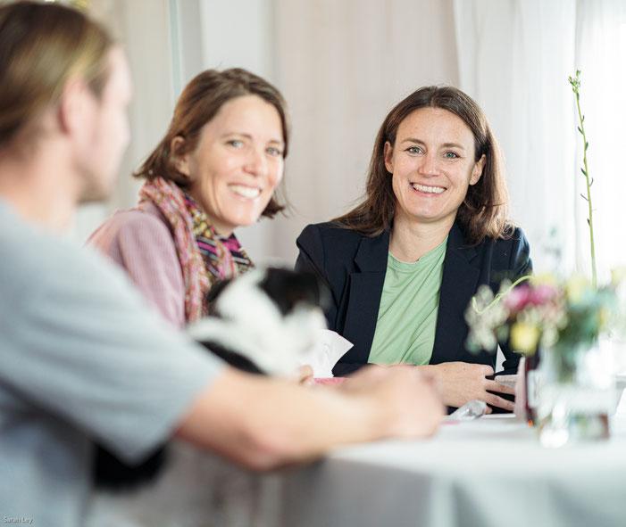 Mediation beseitigt Streitigkeit und Konflikt im Privatbereich und Unstimmigkeiten bei Geschäftsbeziehungen.