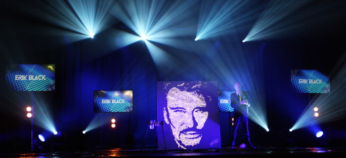erik black with johnny hallyday's portrait - glitter painting live show