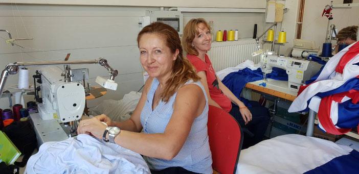 Die Mitarbeiterinnen gehören benachteiligten Gruppen an, darunter etwa Gehörlose oder Roma.