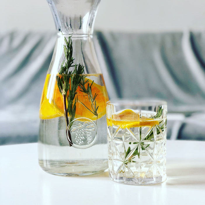 https://www.kamikatzedesign-berlin.de/2018/06/08/infused-water-meine-3-liebsten-rezepte/