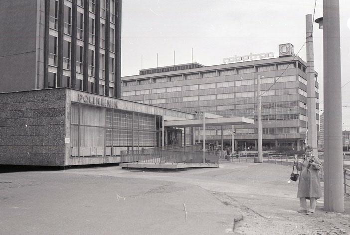 Karl-Marx-Stadt, Zentralhaltestelle, Poliklinik, Chemnitz, robotron, 80er, Achtziger, damals, früher, DDR