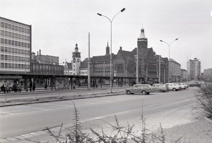 Zentralhaltestelle, Rathaus, Karl-Marx-Stadt, Chemnitz, DDR, Poliklinik, 80er, Achtziger, früher, damals
