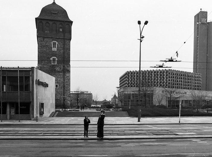 Roter Turm, Hotel Kongress, Stadthalle, Straße der Nationen, Karl-Marx-Stadt, 1980, 80er Jahre, DDR, Deutsche Demokratische Republik