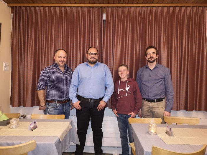 v.l.n.r.   Patric Schönenberger (Präsident), David Portela (Fähnrich), Aron Bösch (Bariton), Andreas Schönenberger (Cornet)