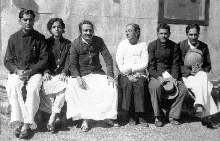 MSI Collection  - 1940s - Meher Baba's family : ( L-R ) Adi Jrn., Mani, Baba, Shireen ( mother ) Jal, Beheram