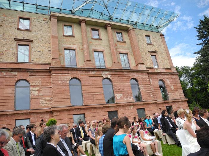 Heiraten in Wiesbaden im Jagdschloss Platte mit freier Trauung freie Redner im Jagdschloss Platte Wiesbaden