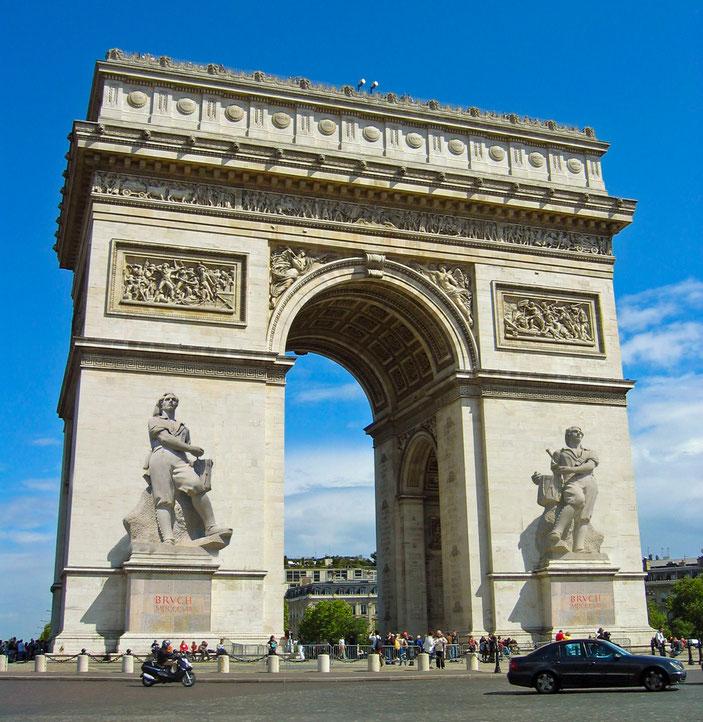El govern francès reconeix la derrota de les tropes napoleòniques a Santpedor el 1808 i dedica l´Arc del Triomf al Timbaler del Bruc.