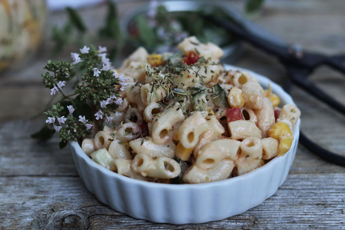 Nudelsalat mit veganer Mayo
