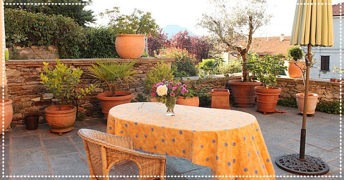Terrasse der Casa Bureglo
