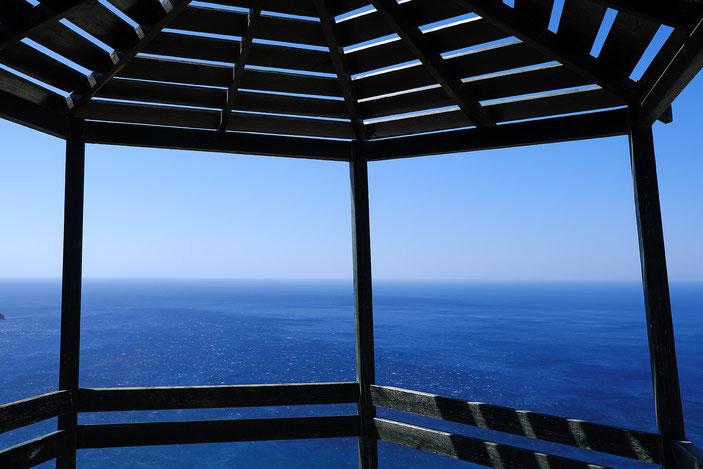 Mathieu Guillochon photographe, Grèce, Crète, Plakias voyage, mer, rivage, littoral, balcon, belvédère, été, bleu.