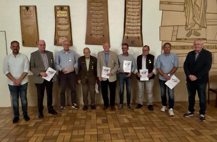 Ehrung langjähriger Schützenbrüder für 40, 50 u. 60 Jahre Mitgliedschaft