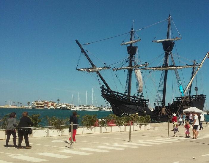La réplica de la Nao Victoria en el puerto de Dénia durante estos pasados días de mayo