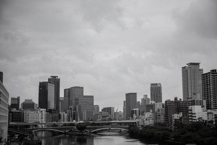 天満橋 CanonEOS5Dmk2 CanonEF24-70mmF4L iso100 59mm f7.1 1/400 Tv photo : toshimasa