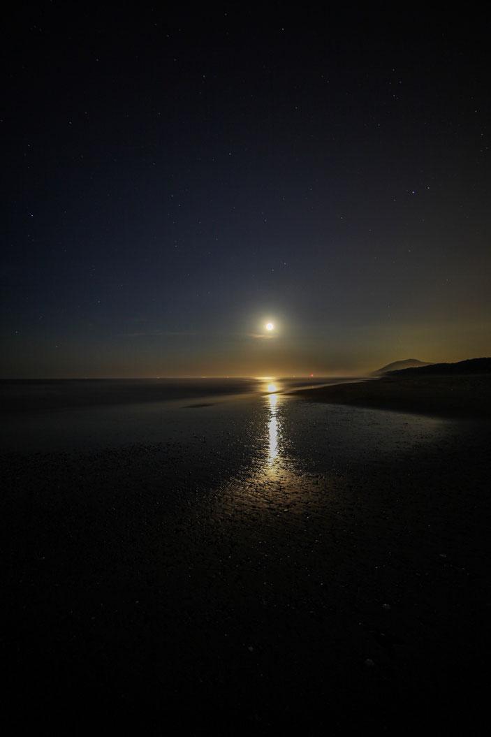 """太平洋ロングビーチ CamonEOS5Dmk2 SAMYANG14mmF2.8 iso100 14mm f4 30"""" Tv photo : toshimasa"""