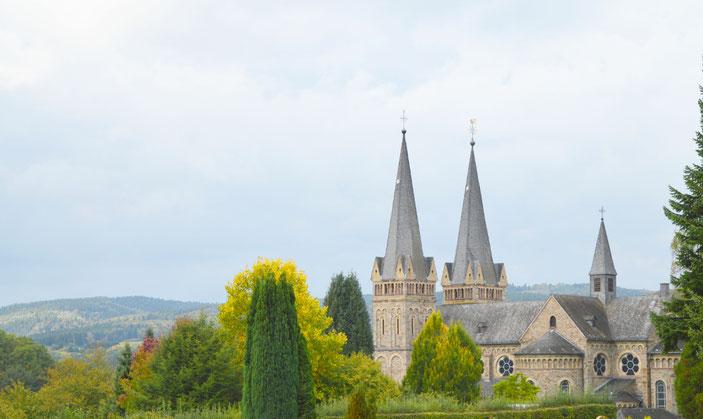 """Kirche in Dattenfeld an der Sieg, einen kurzen Spaziergang von dem Ferienhaus """"Zeitlos an der Sieg"""" entfernt"""