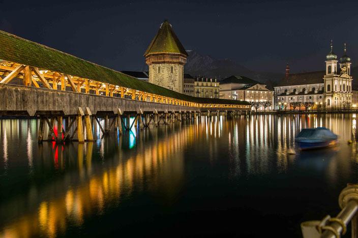 Luzern, Nacht, Kapellbrücke