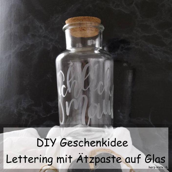 DIY Geschenkidee - dein individuelles Lettering mit Ätzpaste auf Glas verewigen