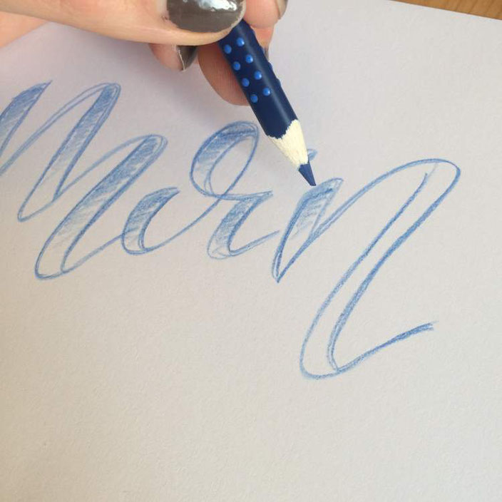 Faux Calligraphy mit aquarellierbaren Buntstiften: Schritt 3: Linien ausfüllen