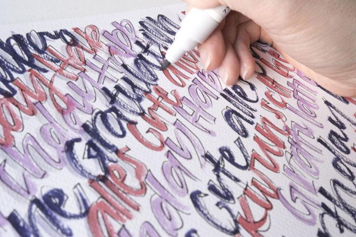 Schatten zeichnen an die Buchstaben beim Handlettering