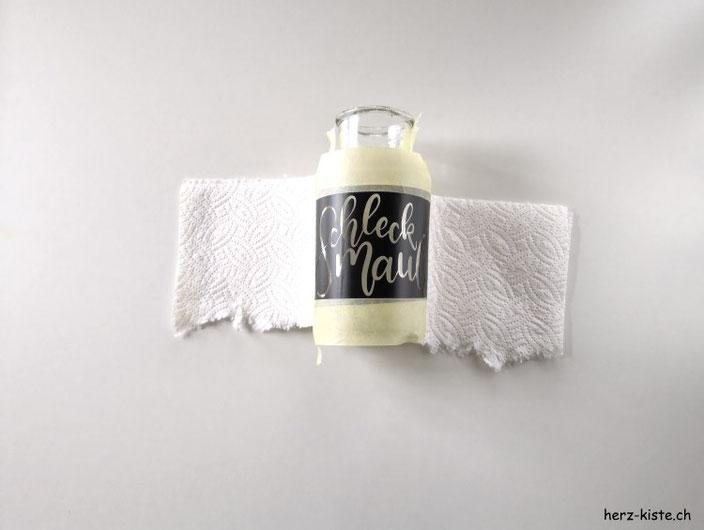 DIY Geschenkidee - ein Lettering mit Ätzpaste auf ein Glas vereweigen - das Glas vorbereiten