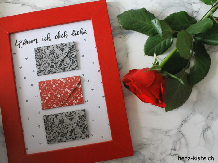 DIY Geschenk zum Valentinstag: Schreibe eine Liebesbotschaft auf ein Herz und verschenke sie in einem Bild