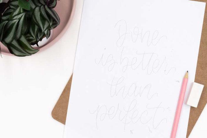 Klemmbrett belettern: Schritt 1: Spruch vorzeichnen