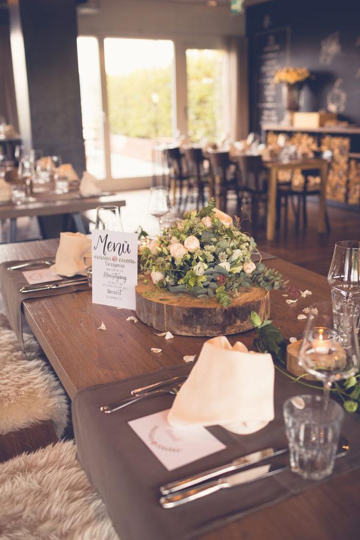 Hochzeit Tischdekoration mit Handlettering (Foto von TW-Fotoart)