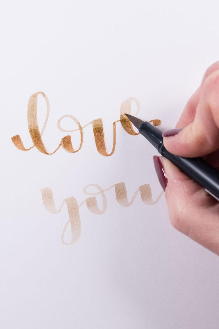 Lettering Anleitung: Brushlettering verblenden mit verschiedenen Farben