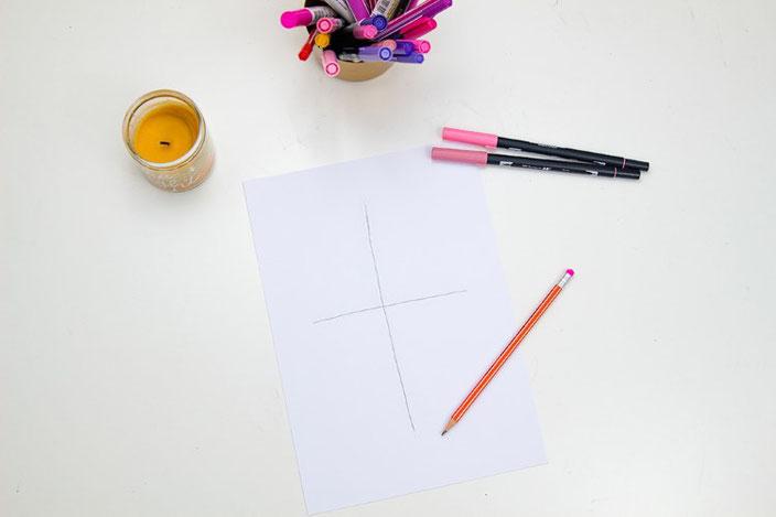 Anleitung um Letteringsprüche zu gestalten: Schritt 1 - Kreuz aufzeichnen
