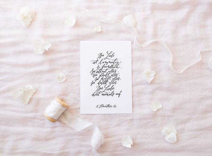 Kalligraphie Bibelvers: Die Liebe ist... 1. Korinther 13 von Jeannette Mokkosch für die Letter Lovers (Bild: Barbara Eichhammer)