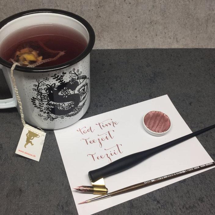 teatime - teezeit - teeziit. Handlettering von wortliebelei für die Letter Lovers