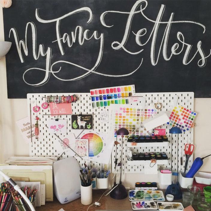 my fancy letters - Schreibtisch Inspiration mit Handlettering