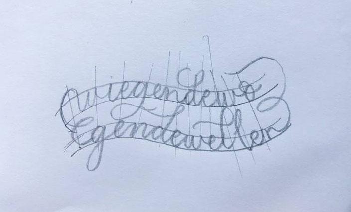 Anleitung: gestalte mit Lettering oder Kalligraphie ein Wellenbild. Schritt 6: Buchstaben vorzeichnen