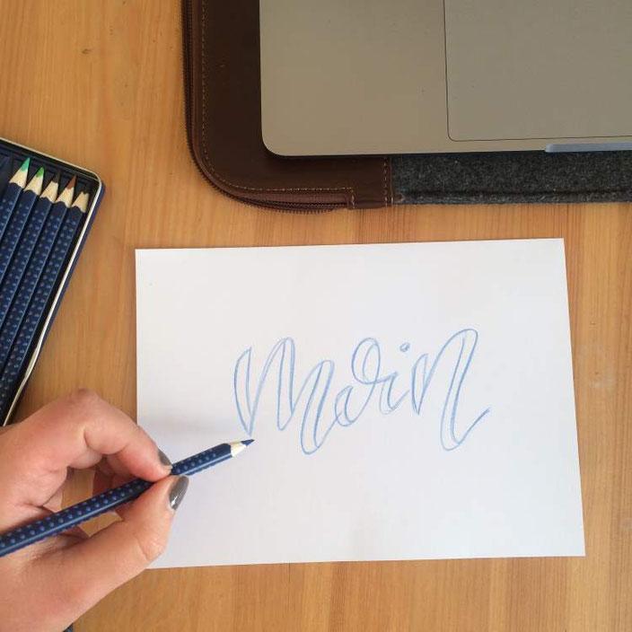 Anleitung für Faux Calligraphy mit aquarellierbaren Buntstiften - Schritt 2: falsche Brushlinie ansetzen