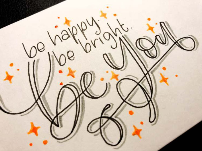 Handlettering: be happy be bright be you (brushkatze bei den Letter Lovers)