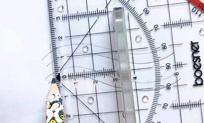 Kalligraphie Anleitung für ein Wellenbild - Schritt 4: Linien im rechten Winkel einzeichnen
