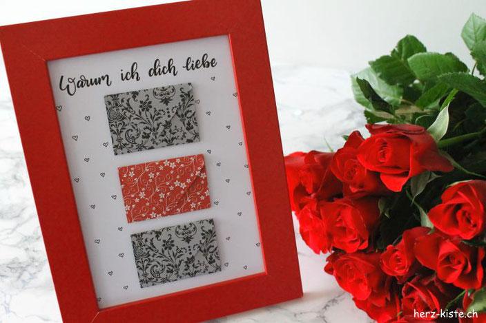 geschenk zum valentinstag bild mit briefumschl gen aus herzen herz kiste. Black Bedroom Furniture Sets. Home Design Ideas