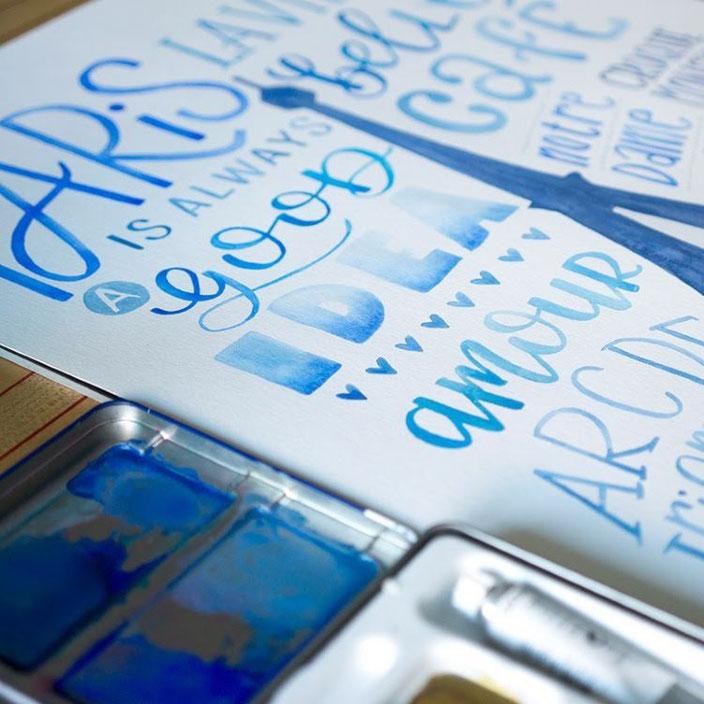 Lettering Paris in blau - samiraheimberg bei den Letter Lovers