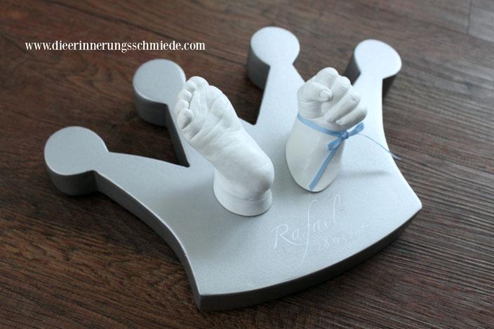 3d Abdruck, Gipsabdruck Hand Baby, Gipsabdruecke Kiel, Gipsabdruck machen lassen, Krone silber