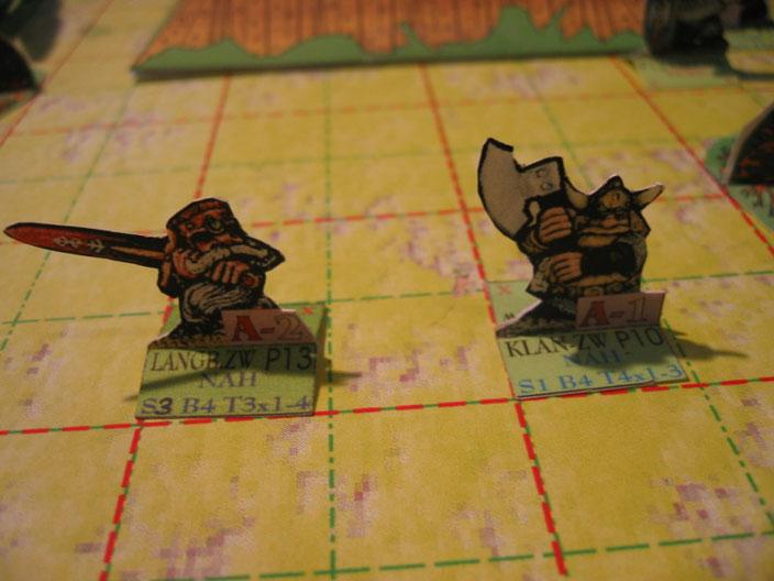 MfM-Zwergenkrieger aus Karton