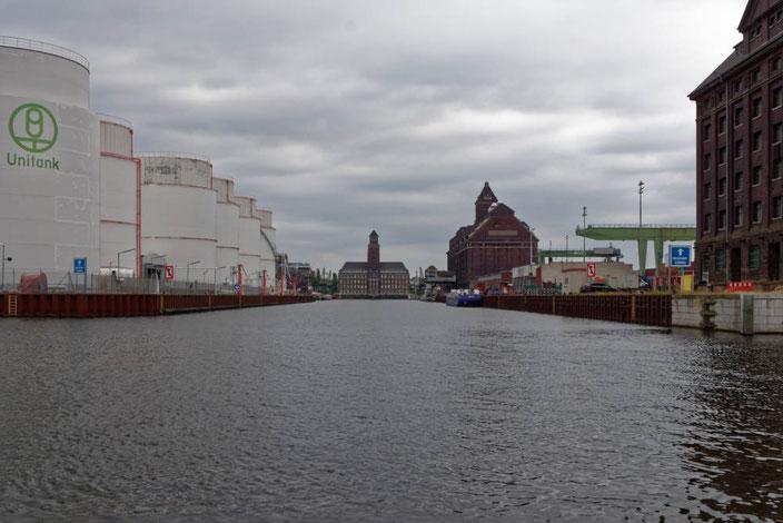 Beim Berliner Westhafen