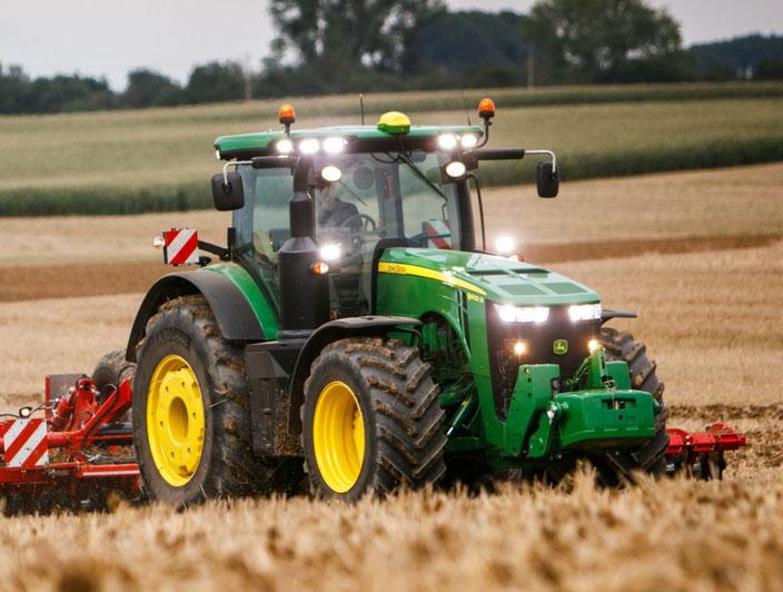 John Deere 8400R Großtraktor