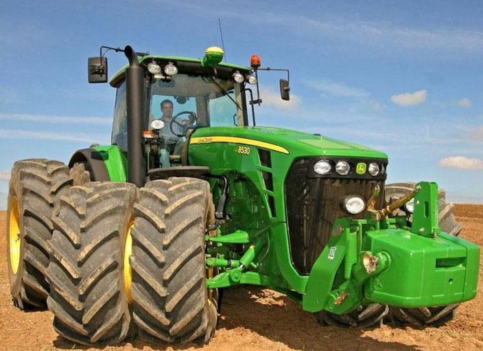 John Deere 8530 Traktor mit Zwillingsreifen