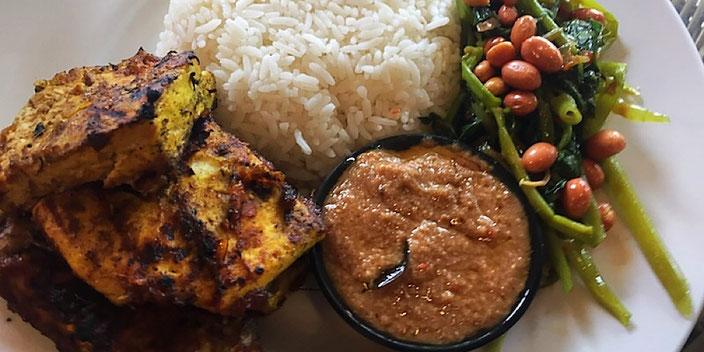 nasi campur with tofu and tempeh at makan makan ubud bali