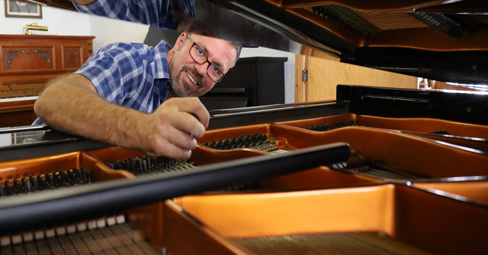 Sebastian Beyer, Klavierbauer in Bielefeld